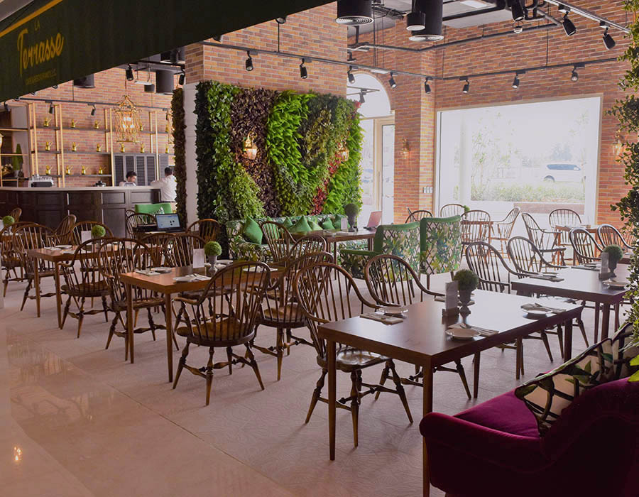 La Terrasse - Interior Green Wall - Restaurant Design Concept