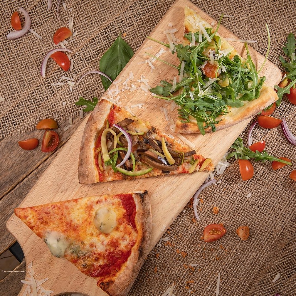 restaurant consulting services for Harry's Pizza